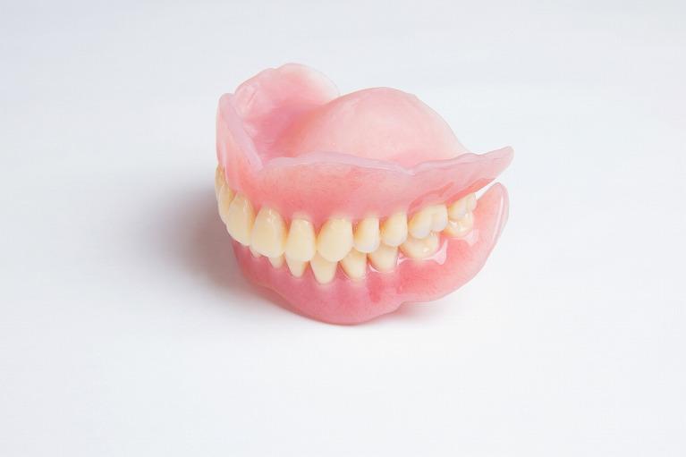 総入れ歯(総義歯)